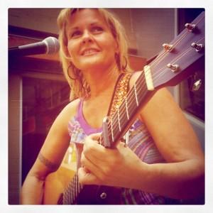 Sacramento folk singer Jenn Rogar plays music with a message